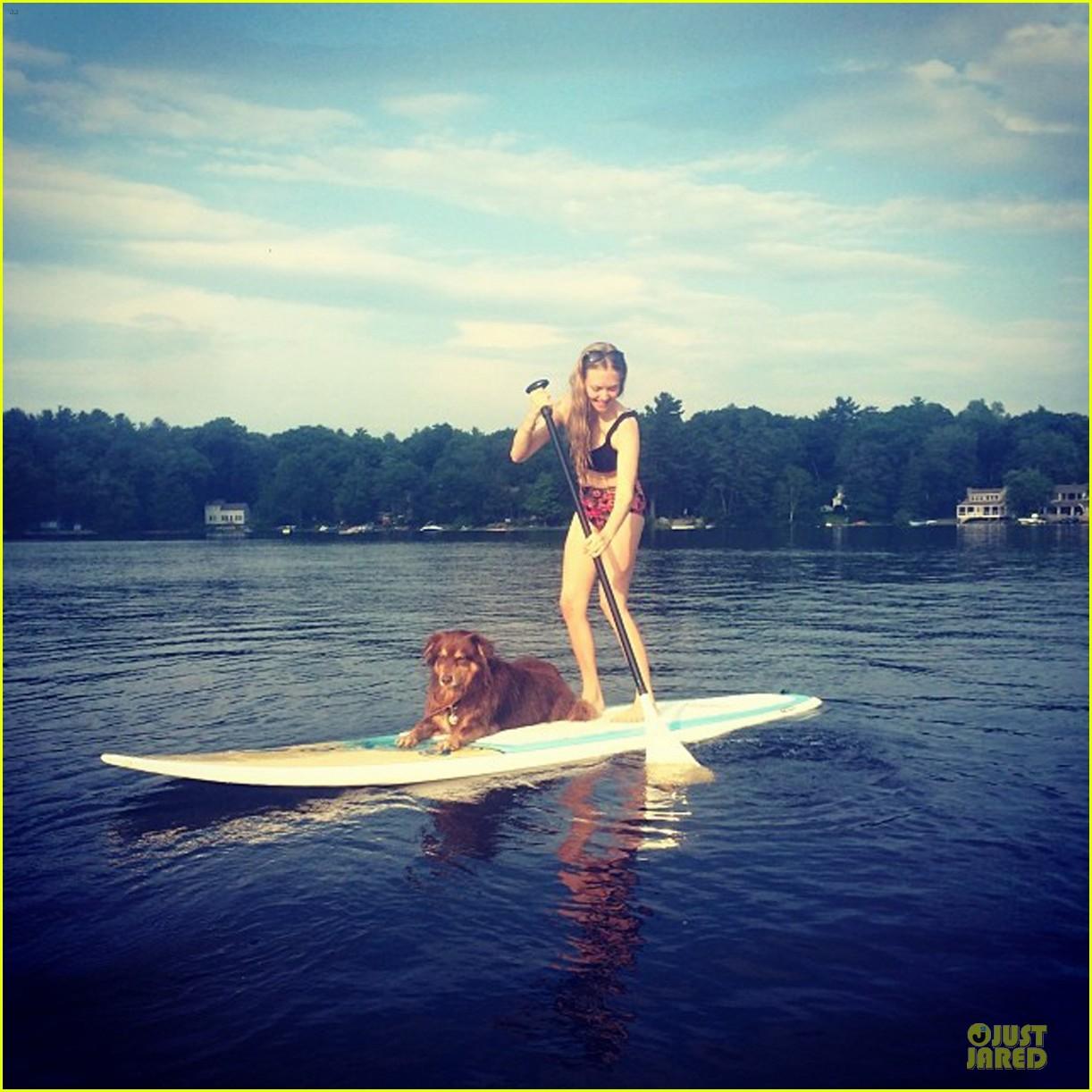 amanda seyfried bares midriff while paddling with finn 033151468
