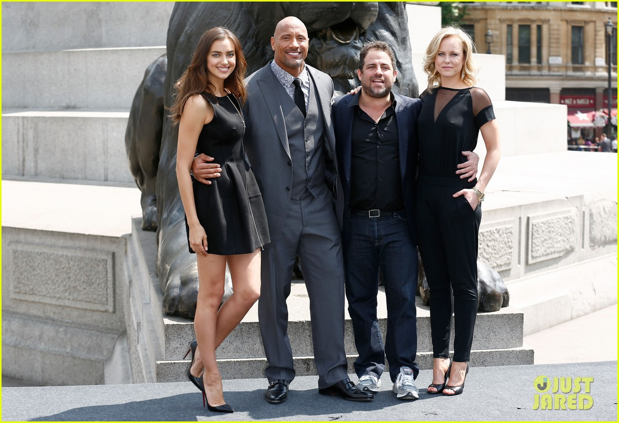 irina shayk dwayne johnson hercules photo call 033148276