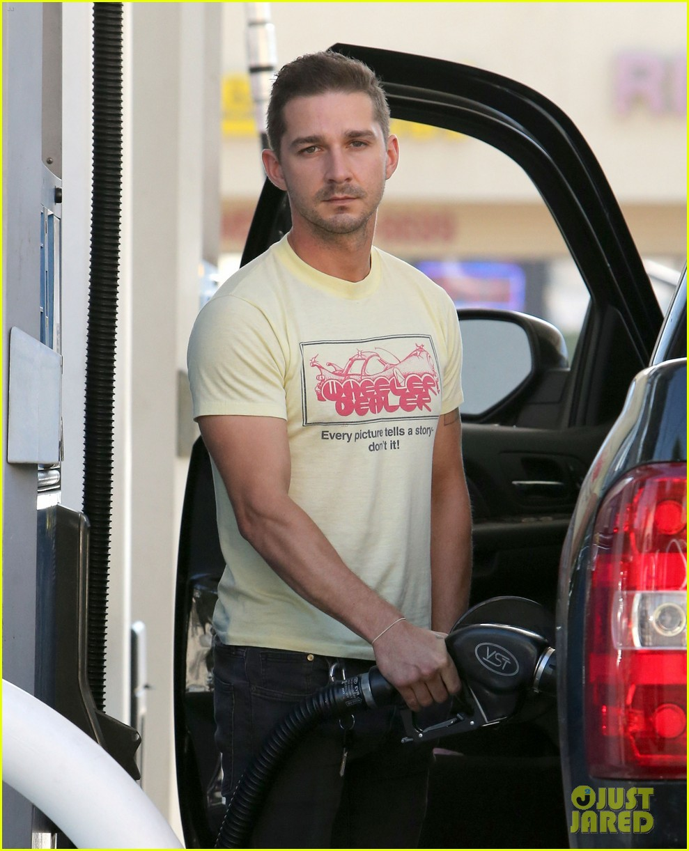 shia labeouf keeps up his daily routine 023151772