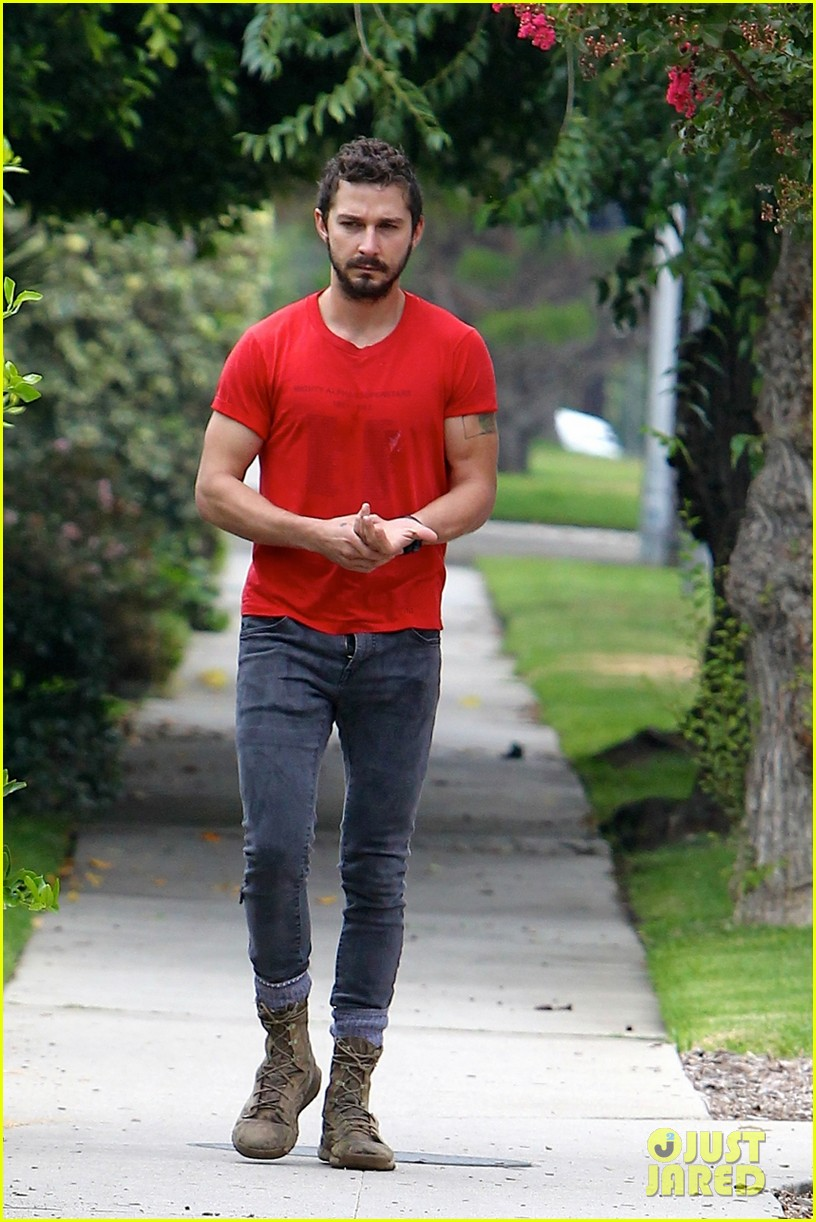 shia labeouf forgets to zip his fly 053148368