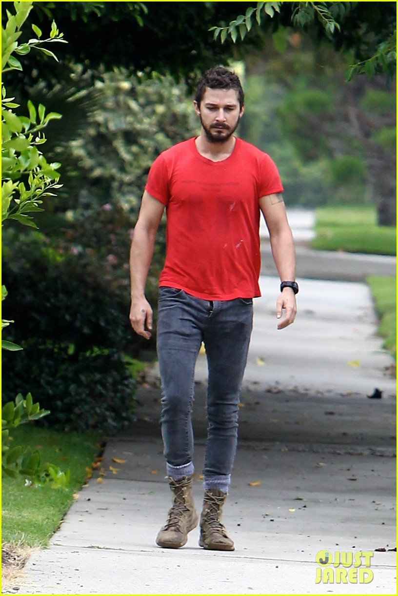 shia labeouf forgets to zip his fly 063148369