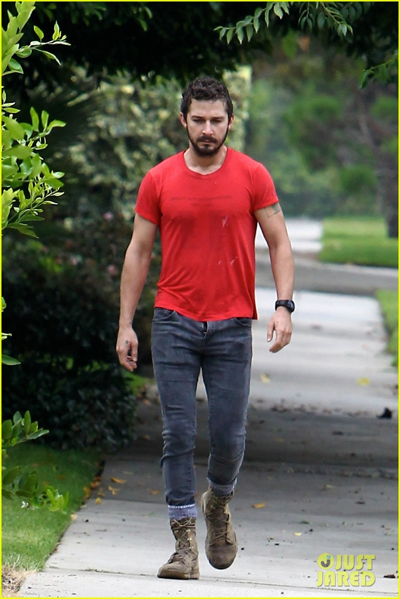 shia labeouf forgets to zip his fly 073148370