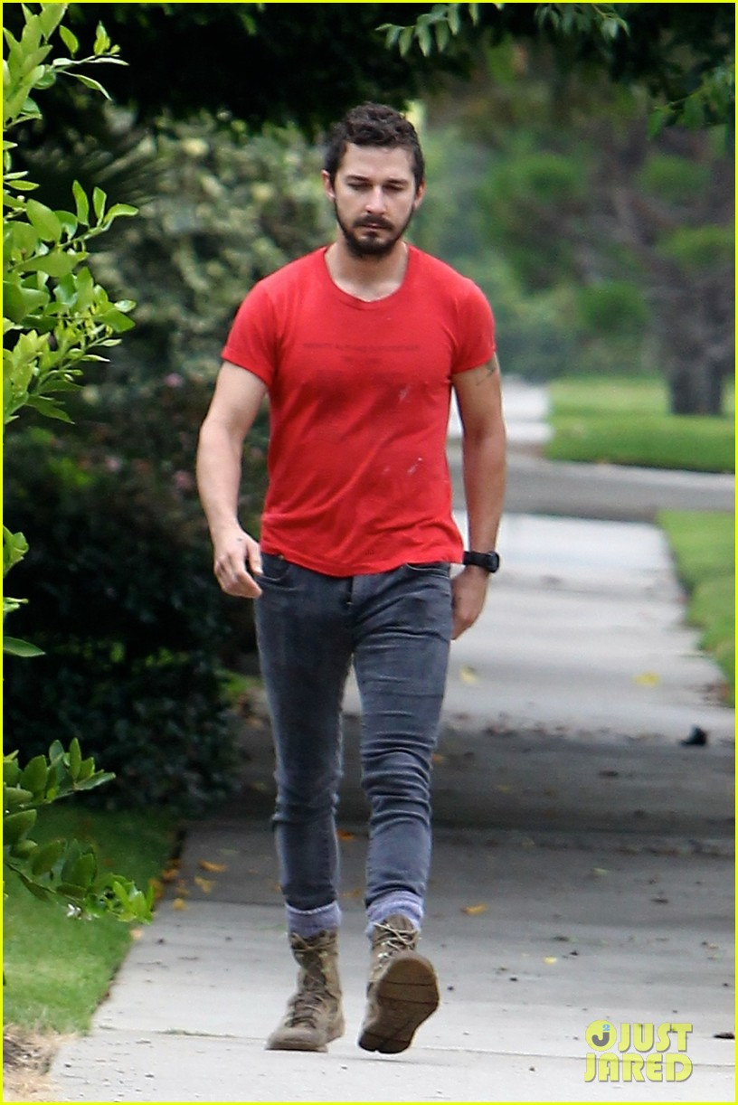 shia labeouf forgets to zip his fly 103148373