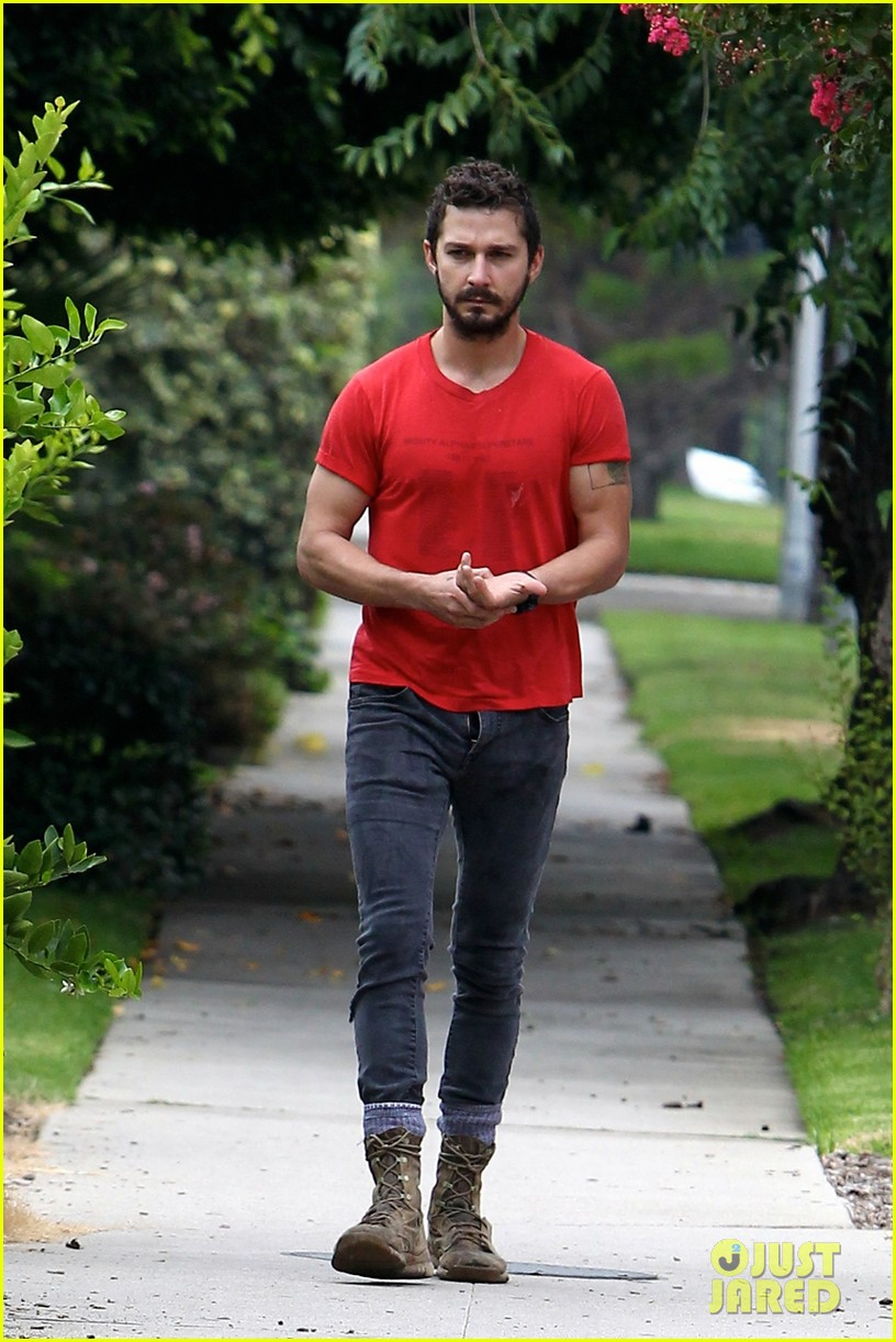 shia labeouf forgets to zip his fly 143148377
