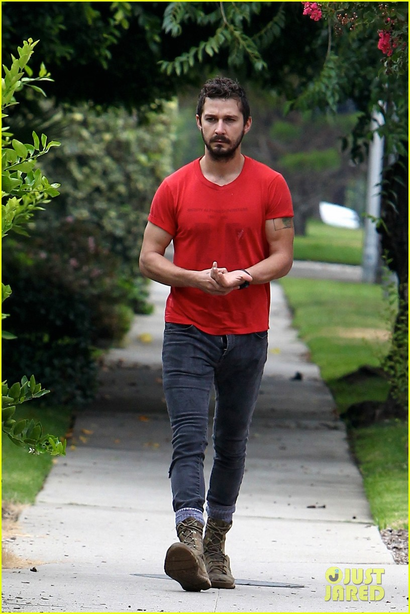 shia labeouf forgets to zip his fly 153148378
