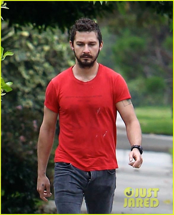 shia labeouf forgets to zip his fly 233148386