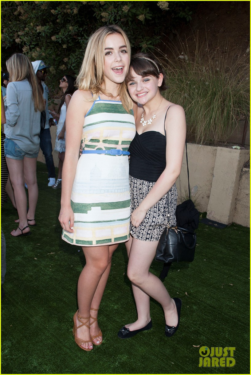 kiernan shipka just jared summer fiesta 363155407