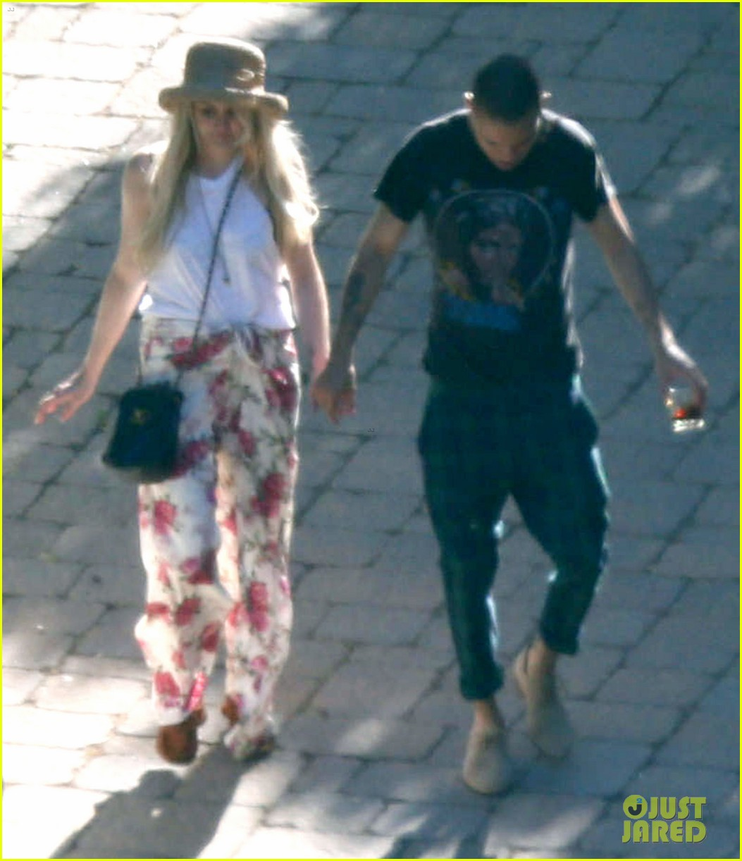 ashlee simpson evan ross arrive for jessicas wedding 203149421