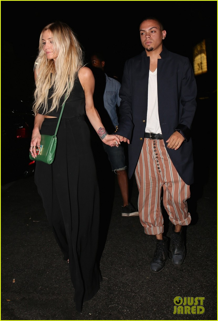ashlee simpson evan ross are stylish duo for dba night out 083152194