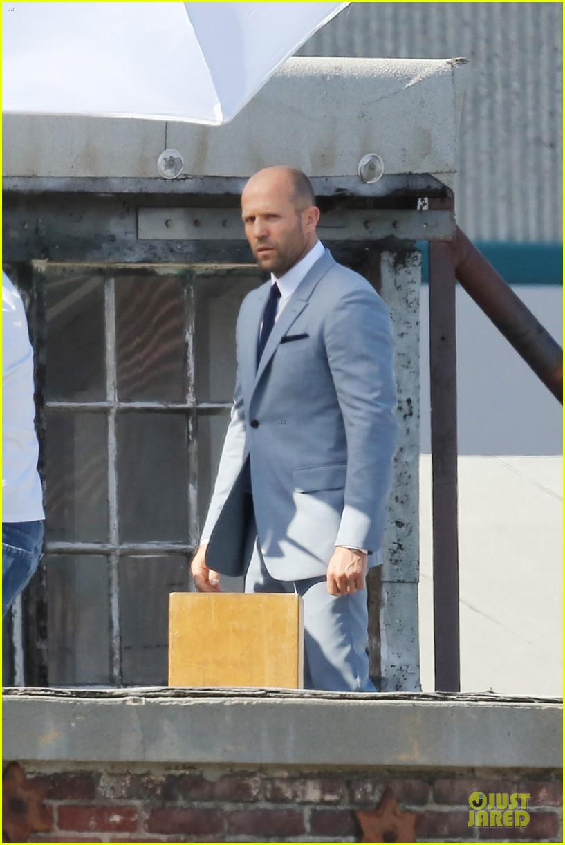 jason statham so dapper for la photo shoot 183148132
