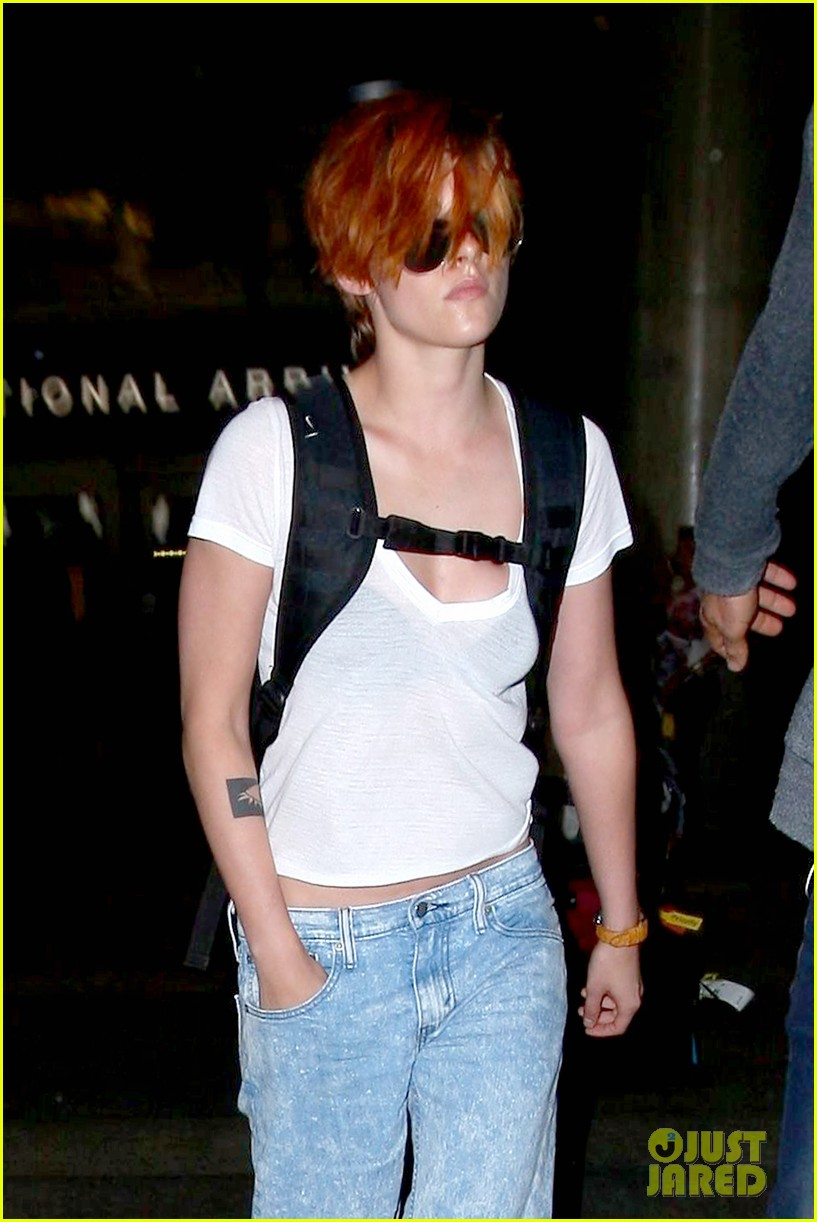 kristen stewart wears her new short hair messy 073152578