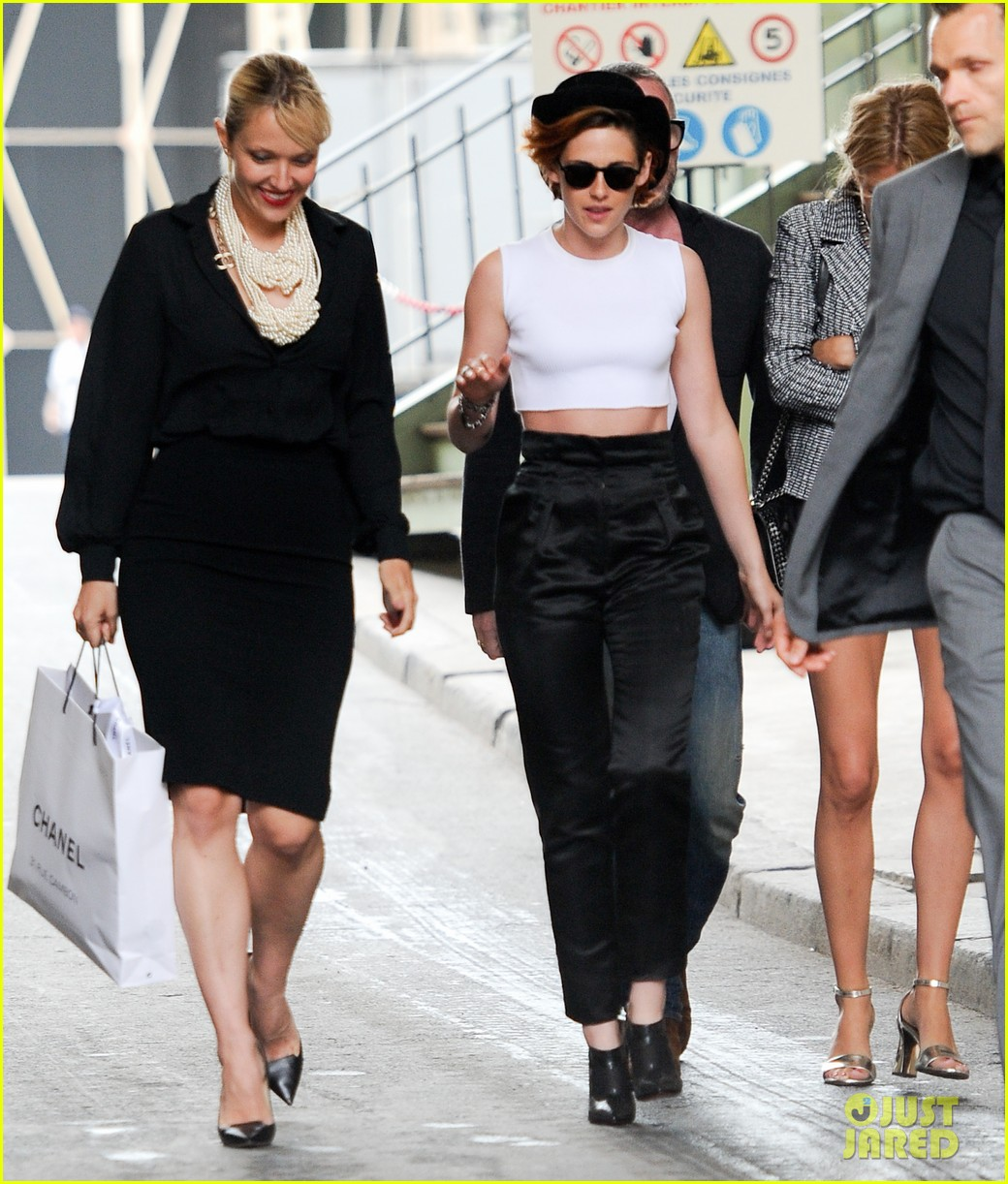 kristen stewart covers up her new short hair with a hat 053151716