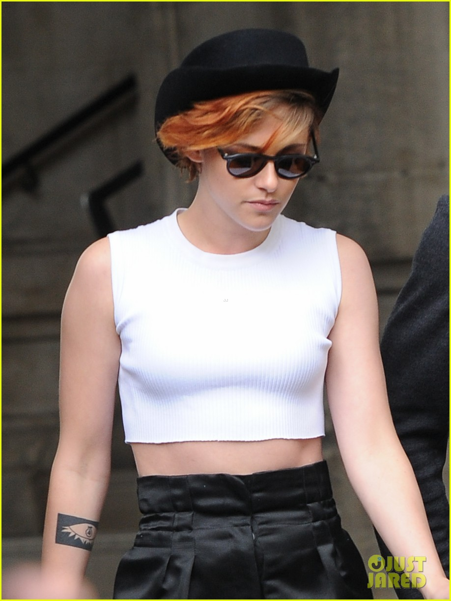 kristen stewart covers up her new short hair with a hat 093151720