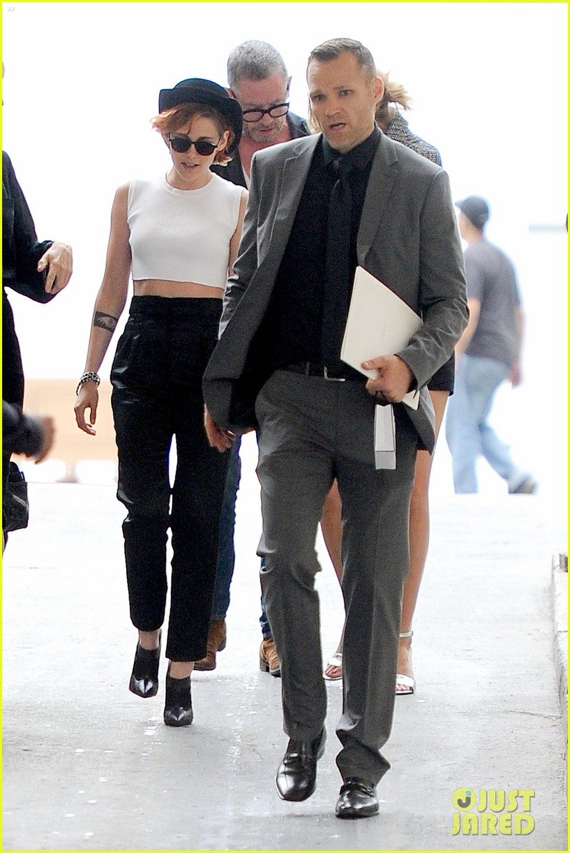 kristen stewart covers up her new short hair with a hat 103151721