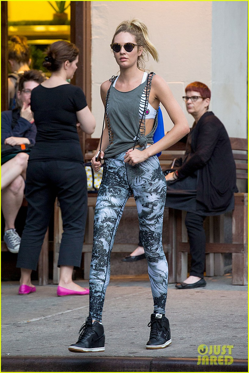 candice swanepoel has the most chic gym outfit 113153558
