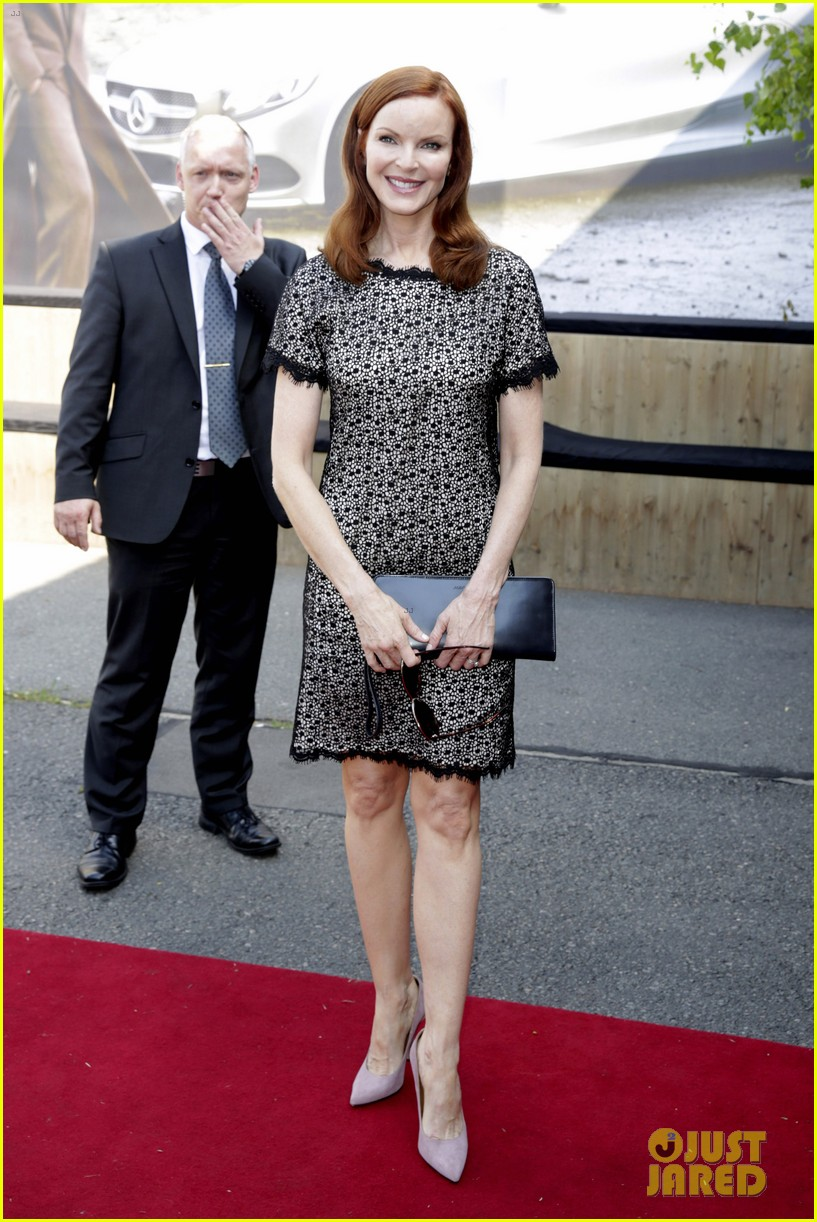 hilary swank marcia cross get dolled up for marc cain 043153584