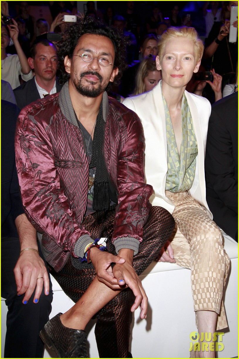 tilda swinton is a sophisticated lady at roshi porkar fashion show 093152942
