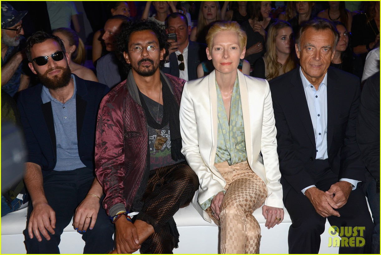 tilda swinton is a sophisticated lady at roshi porkar fashion show 103152943