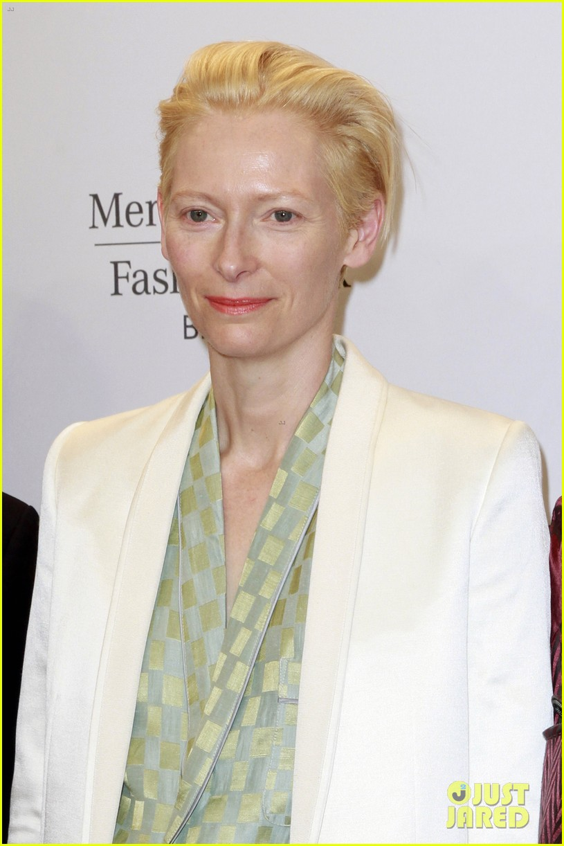 tilda swinton is a sophisticated lady at roshi porkar fashion show 113152944