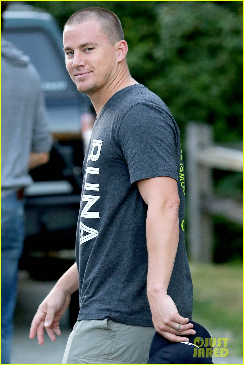 channing tatum shaved his head still looks undeniably hot 053153700