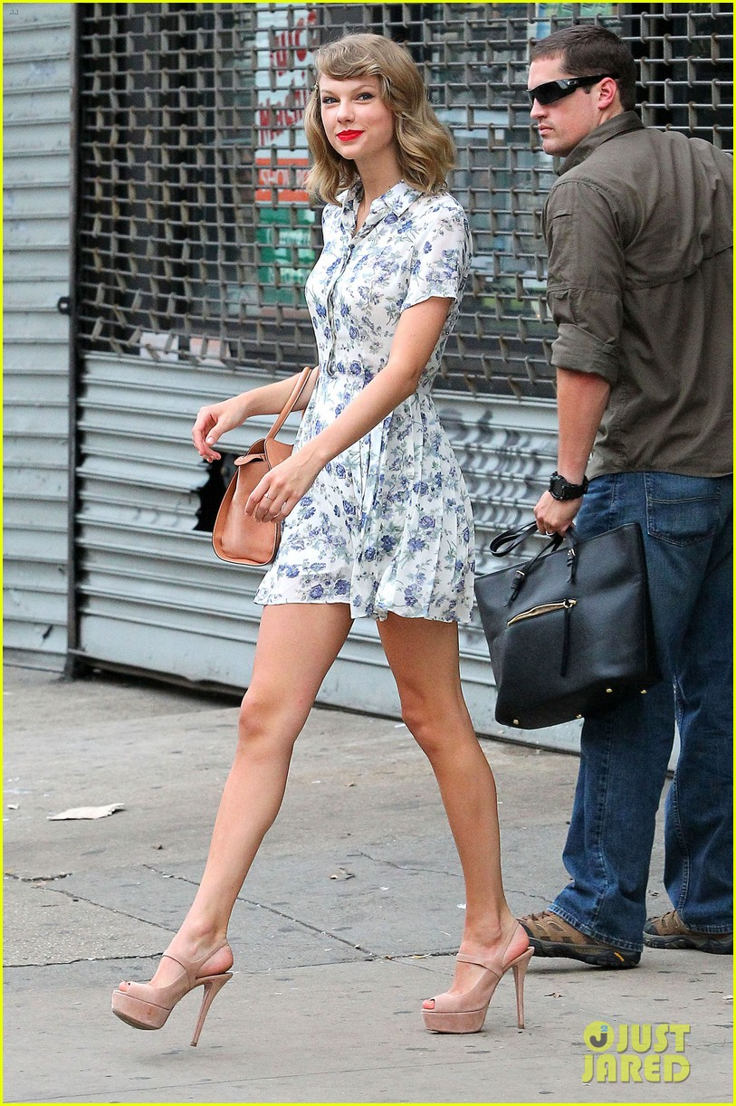 taylor swift does not sing in the giver movie 093152638