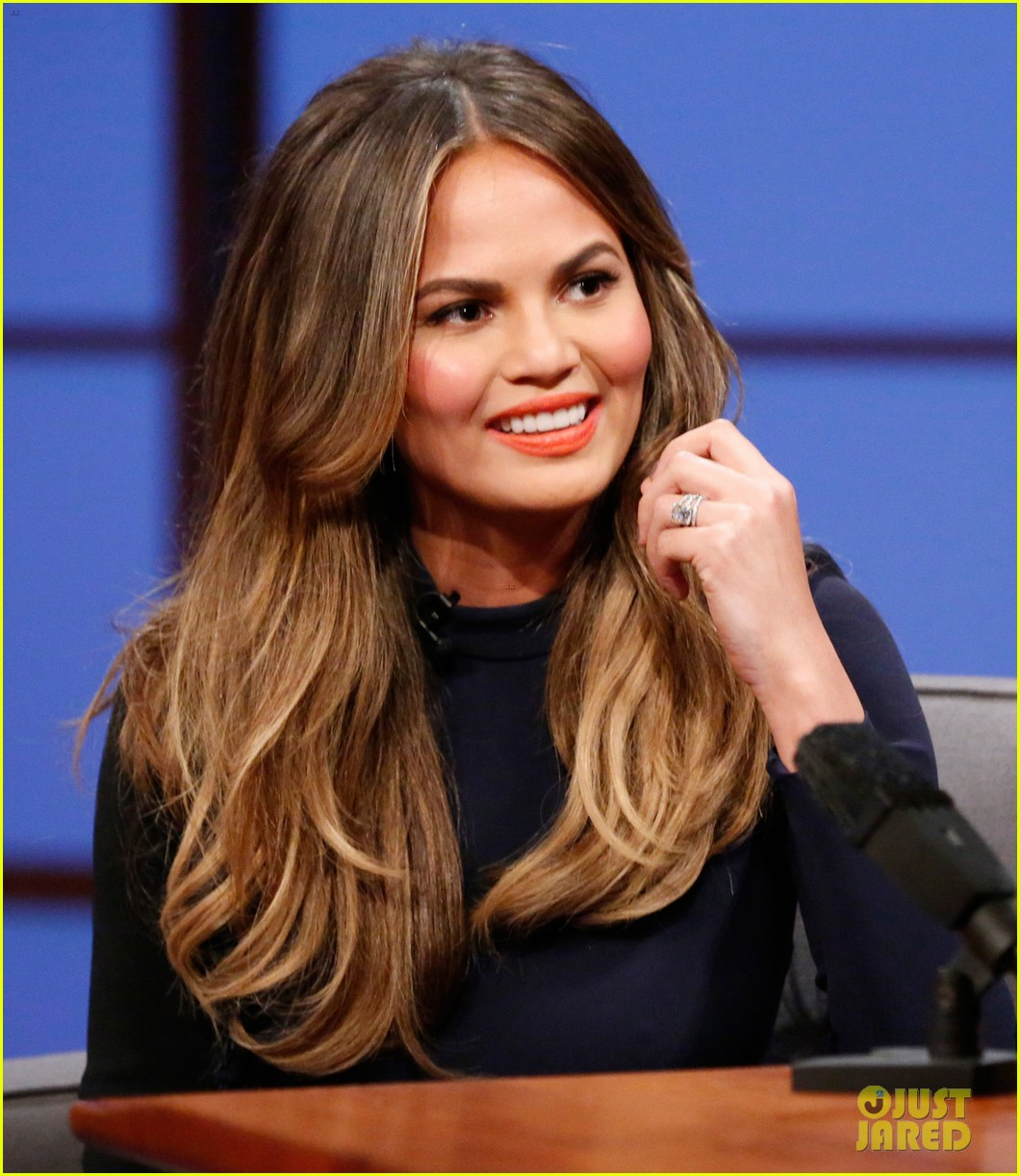 chrissy teigen on late night with seth meyers 043151622