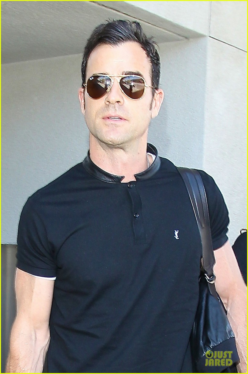 justin theroux says leftovers is about love 043150072