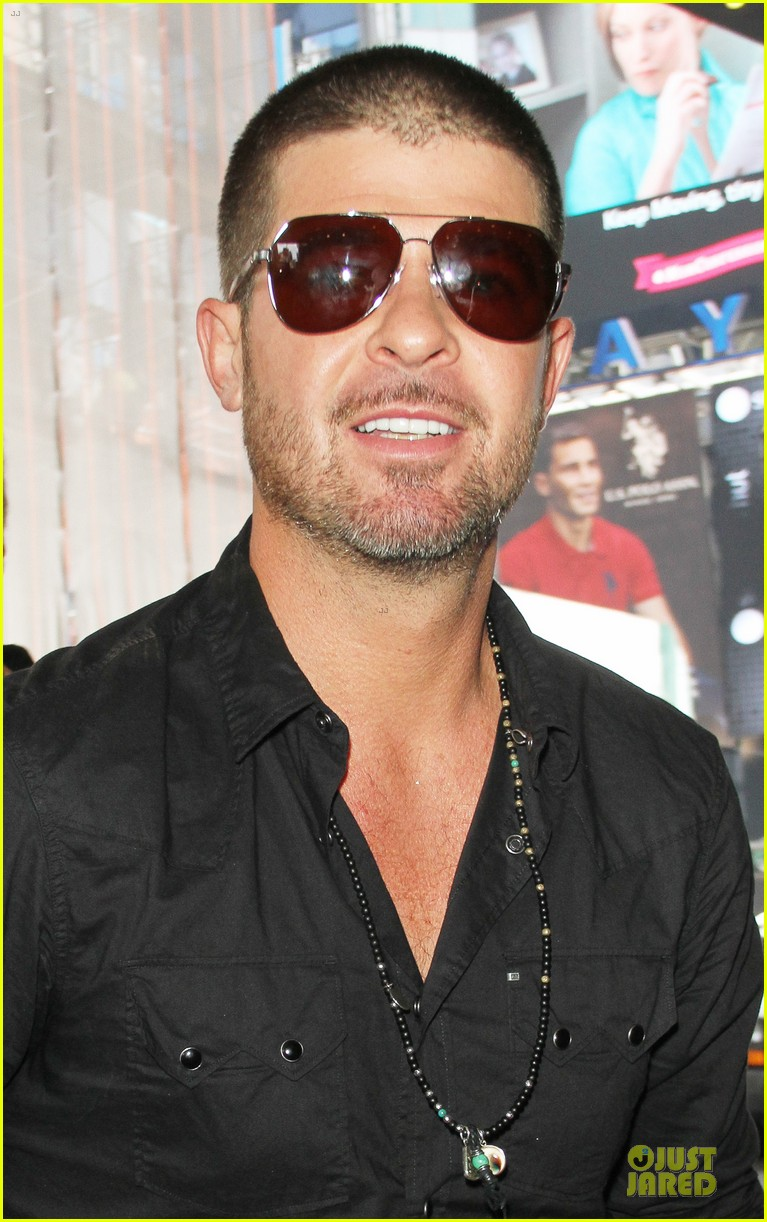 robin thicke paula patton is still his muse from a distance 073147983