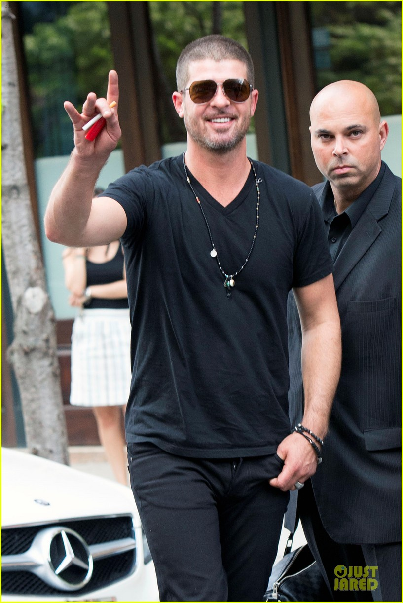 robin thicke paula patton is still his muse from a distance 083147984