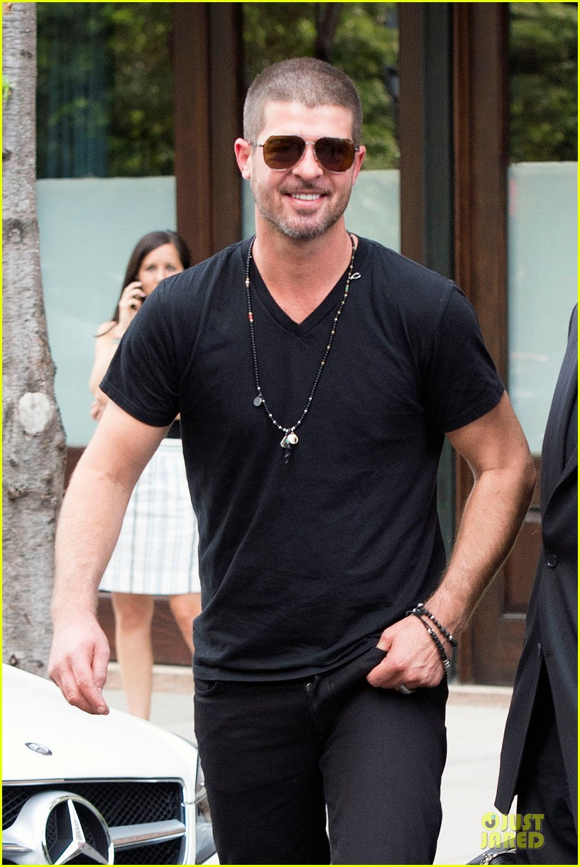 robin thicke paula patton is still his muse from a distance 093147985