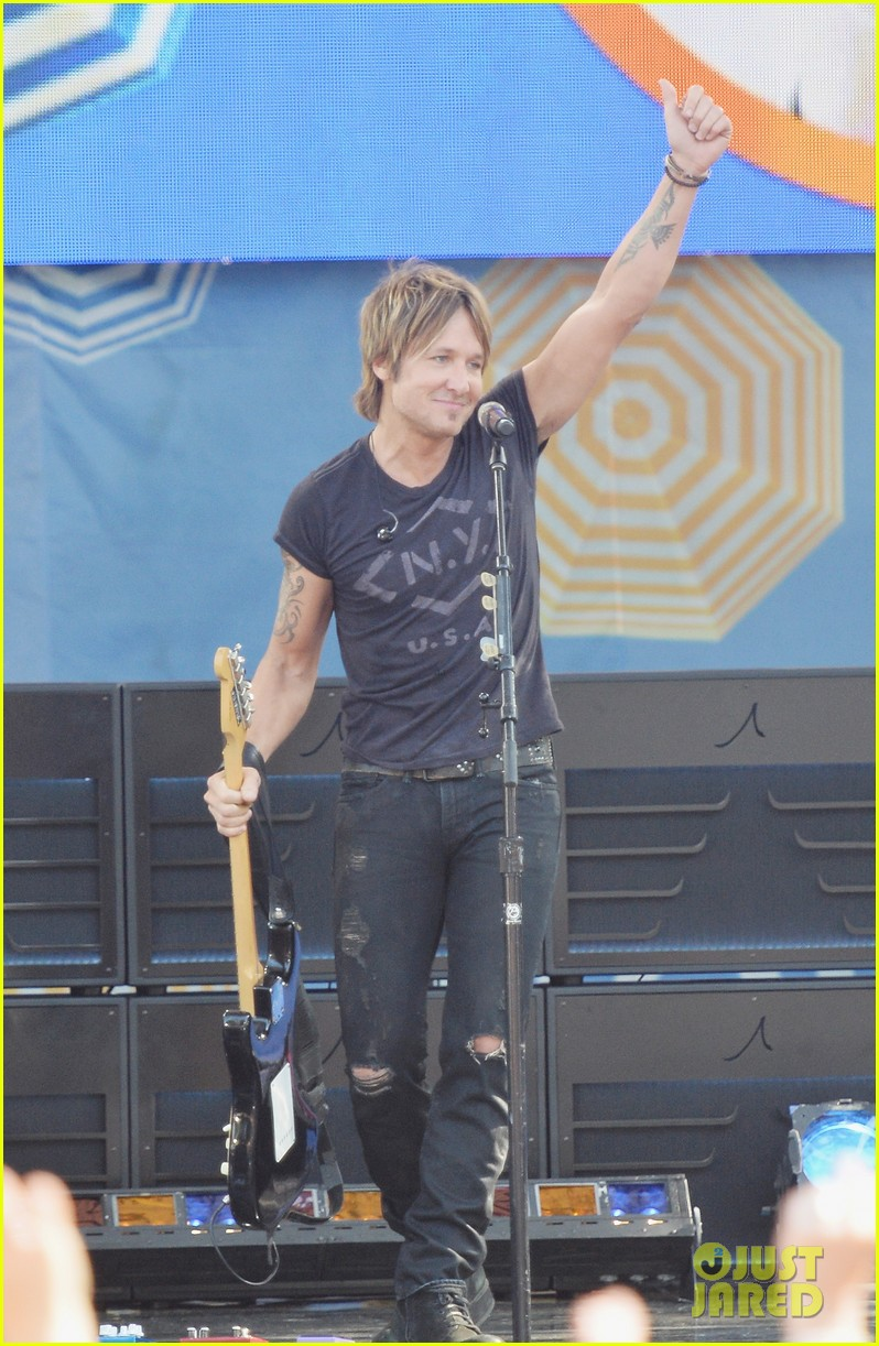 keith urban brings house down at good morning america 023153804