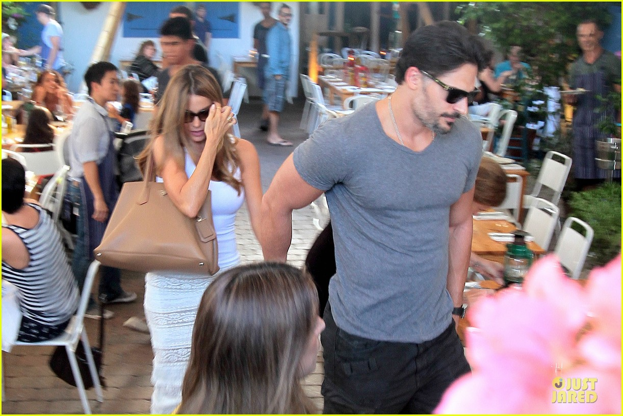 sofia vergara joe manganiello hottest couple in miami 023164027