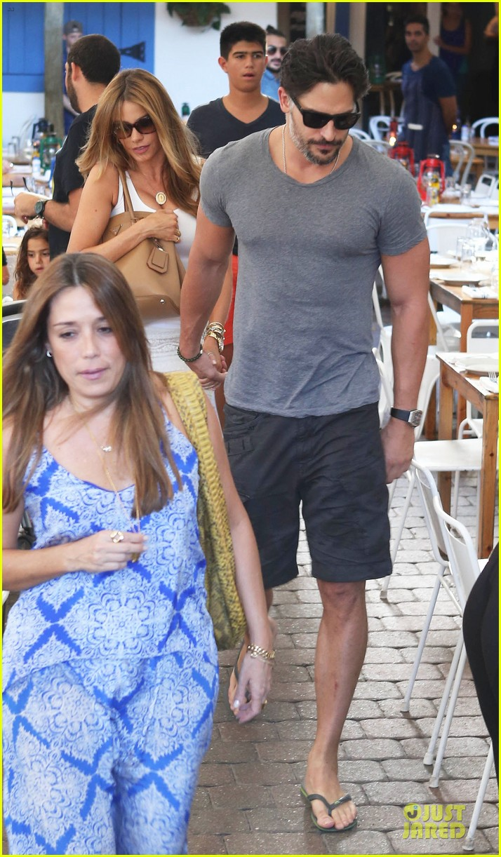 sofia vergara joe manganiello hottest couple in miami 033164028