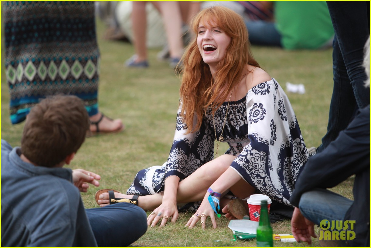 Young Florence Welch nude photos 2019