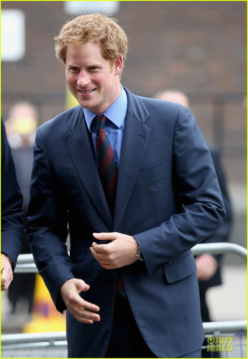 prince william harry accompany dad charles to business gala 023151991