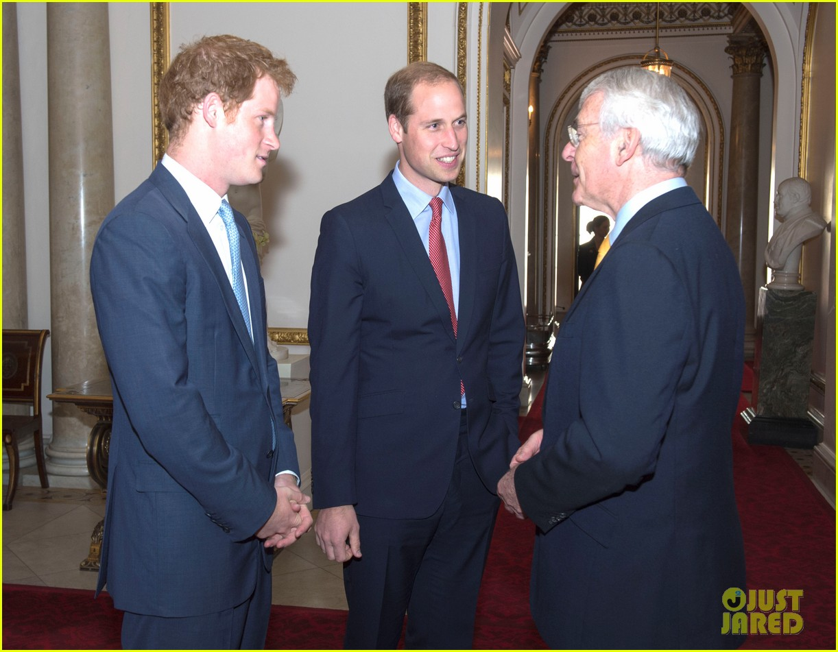 prince william jokes george bath time quite painful 023152544