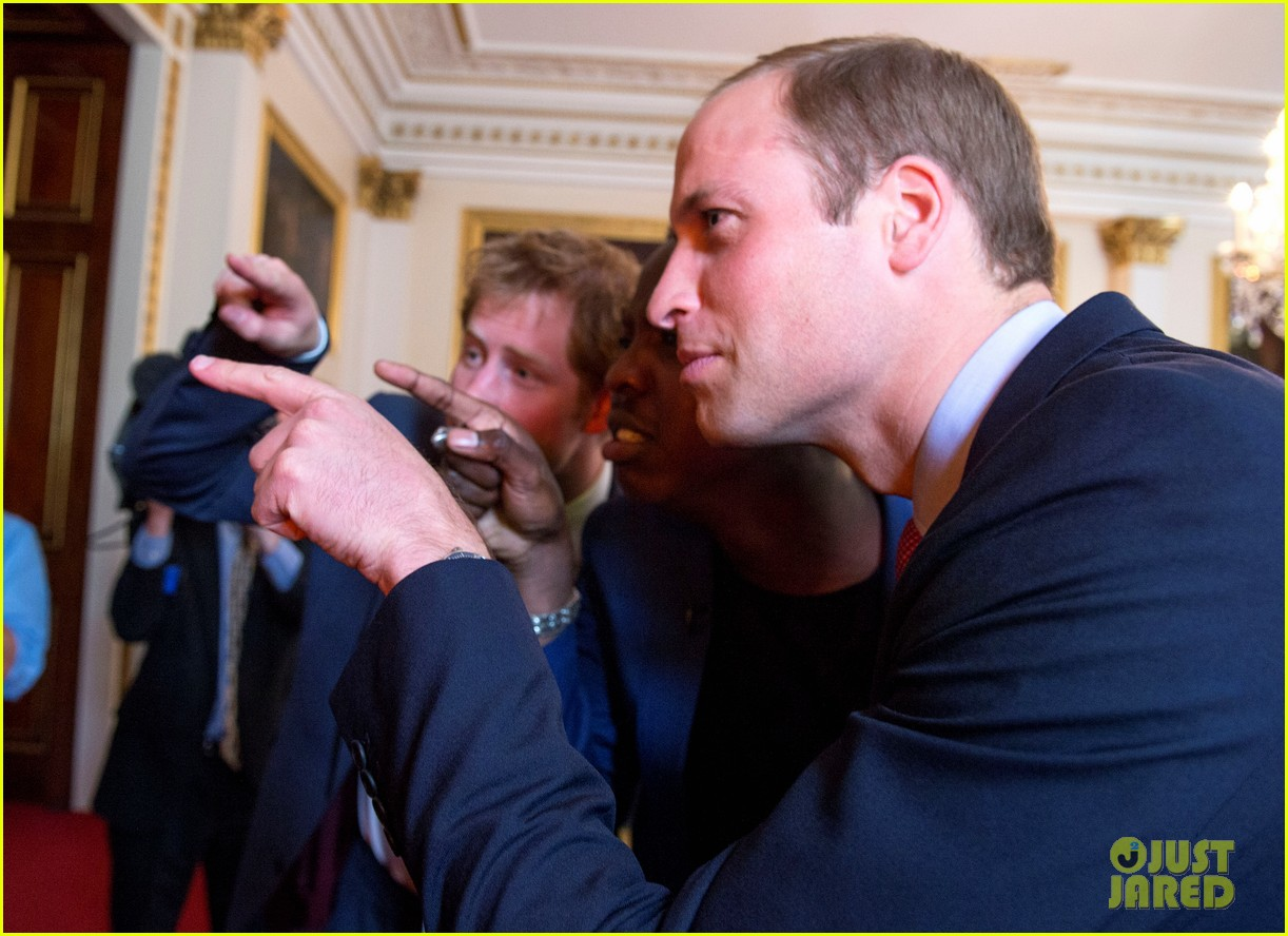prince william jokes george bath time quite painful 113152553