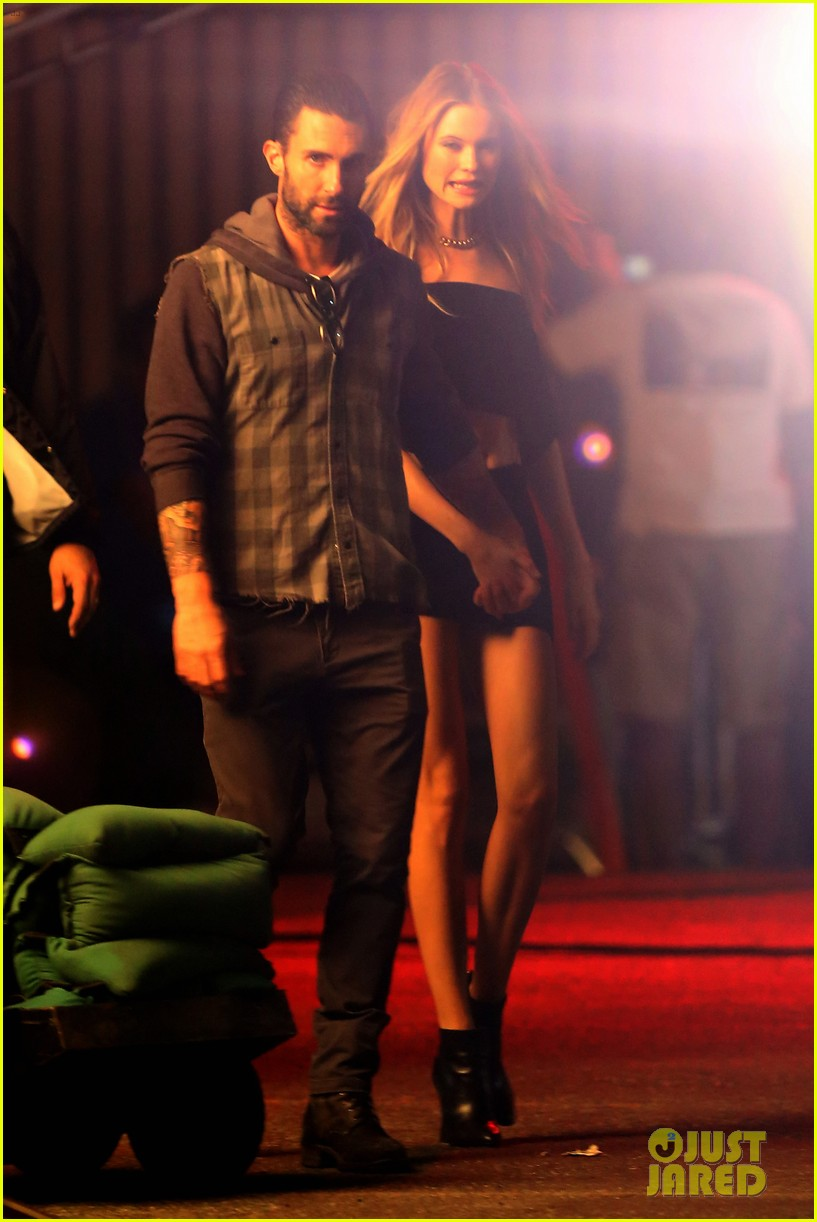 adam levine feels more masculine after marrying behati prinsloo 123186523