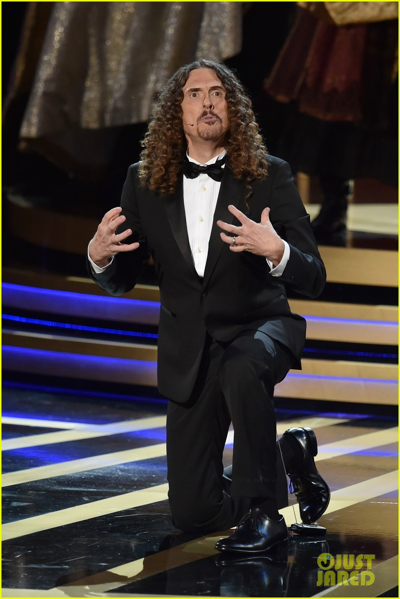 weird al sings lyrics to lyricless television theme songs emmys 2014 073183772