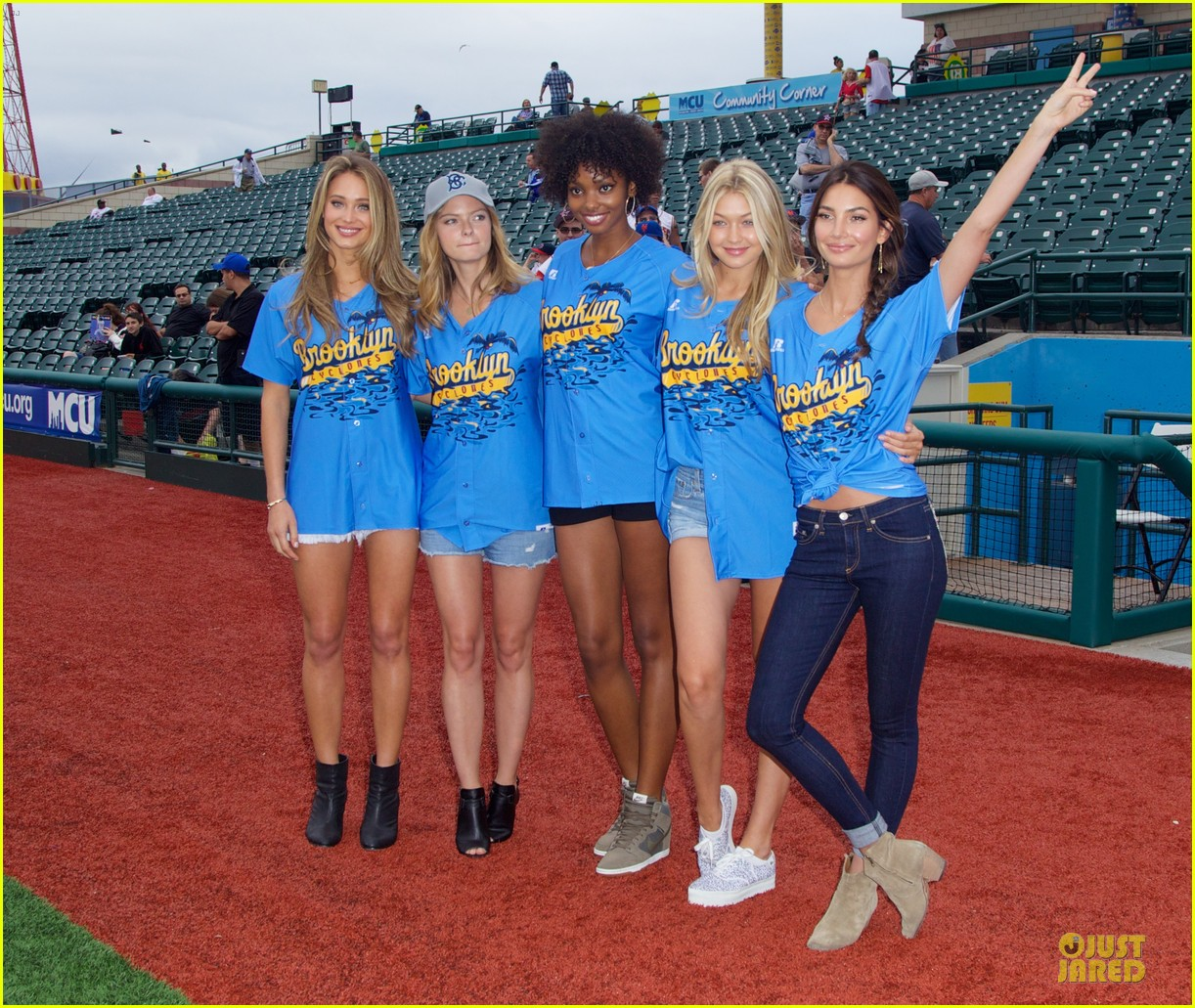 lily aldridge gigi hadid throw out first pitch at baseball game 013181347