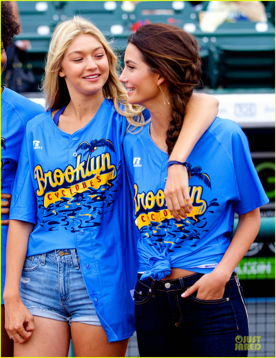 lily aldridge gigi hadid throw out first pitch at baseball game 023181348