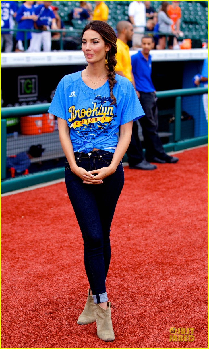 lily aldridge gigi hadid throw out first pitch at baseball game 233181369