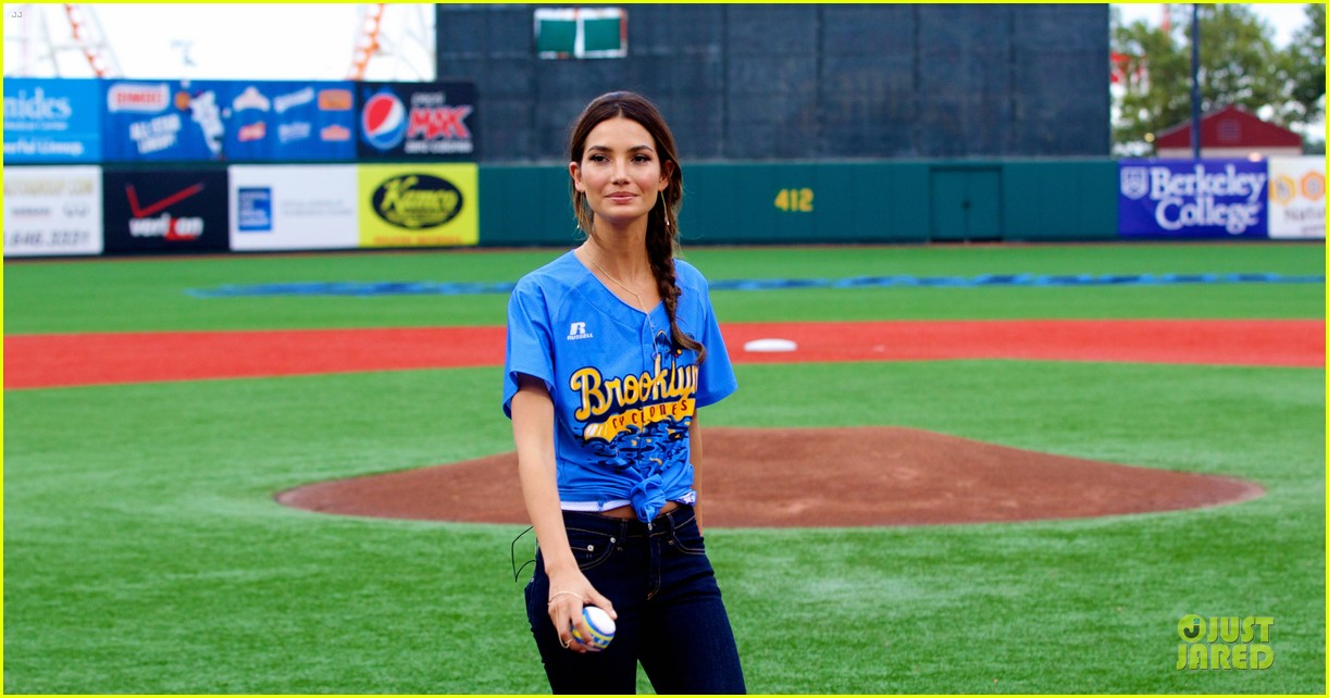 lily aldridge gigi hadid throw out first pitch at baseball game 283181374