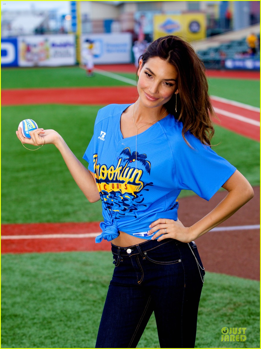 lily aldridge gigi hadid throw out first pitch at baseball game 313181377