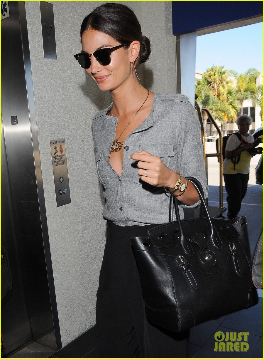lily aldridge taylor swift airplane songs lax 023185932