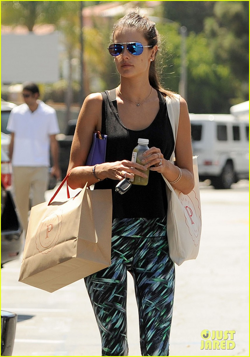 alessandra ambrosio back in la after venice film festival 063186666