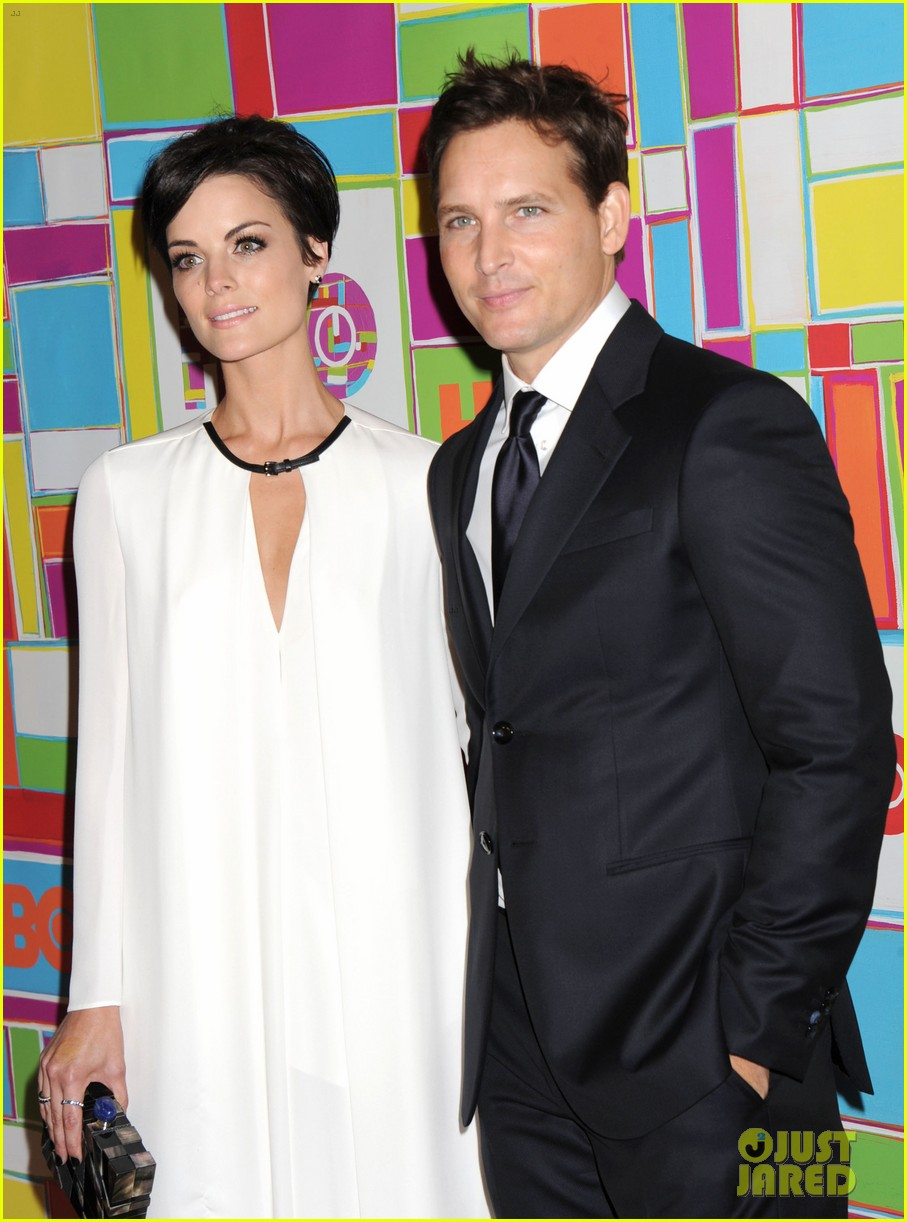 peter facinelli jaimie alexander keep it classy at hbos emmys 2014 053184066