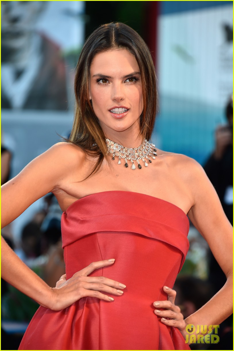 alessandra ambrosio stuns in red at la rancon de la gloire 043185944
