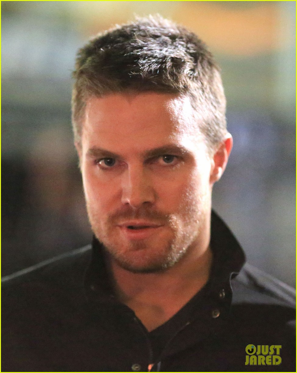 stephen amell filmed an arrow scene that was two years in the making 053181008