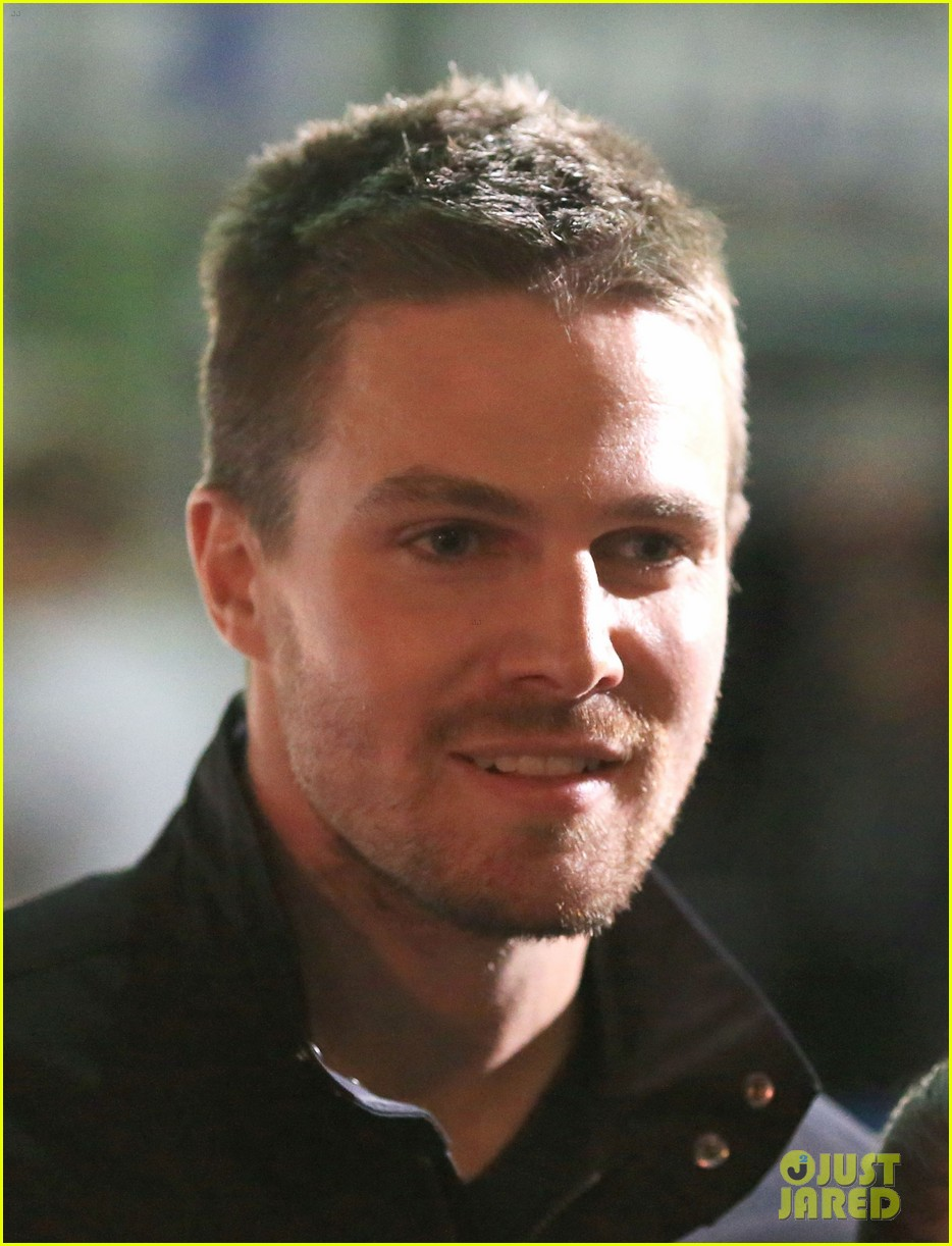 stephen amell filmed an arrow scene that was two years in the making 073181010